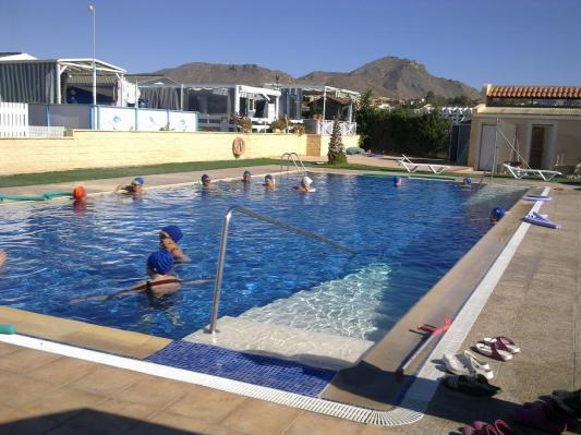 - Recinto piscina termal - Balneario Los Delfines -
