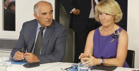 Esperanza Aguirre (d), y Alberto Garre (i), Durante Una Reunión del Comité Ejecutivo del PP. EFE (ARCHIVO)