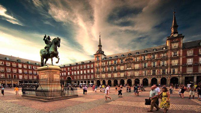 """""""Water In The Plaza Mayor"""" (…Otra de Mondejar )"""