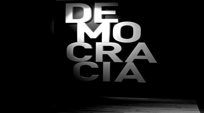 """""""Democracia en Peligro"""""""