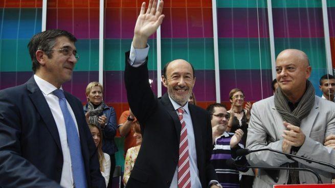 Rubalcaba Une al Psoe, y la Derecha se Pelea en Campaña Electoral
