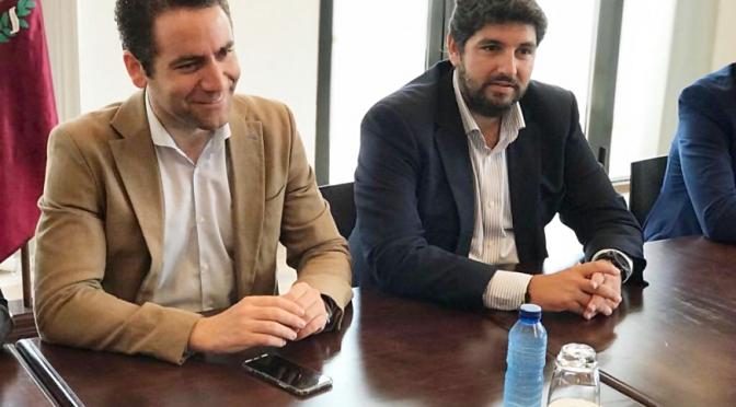 """""""Vender la Región"""""""