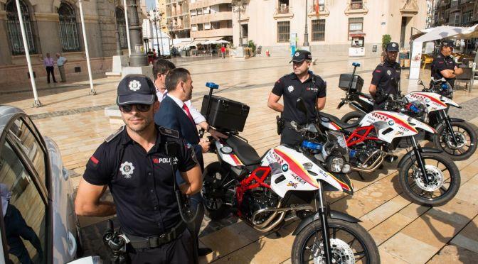 Con tres años de retraso, comienza la formación de los policías