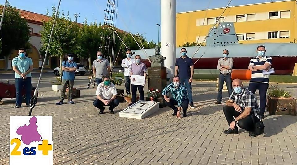 """""""LA QUINCENA DE PERAL"""" OFRENDA FLORAL EN LA BASE DE SUBMARINOS"""