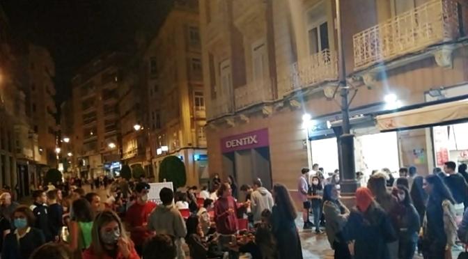 Más controles en Cartagena tras las aglomeraciones en algunas terrazas en la primera noche de su reapertura