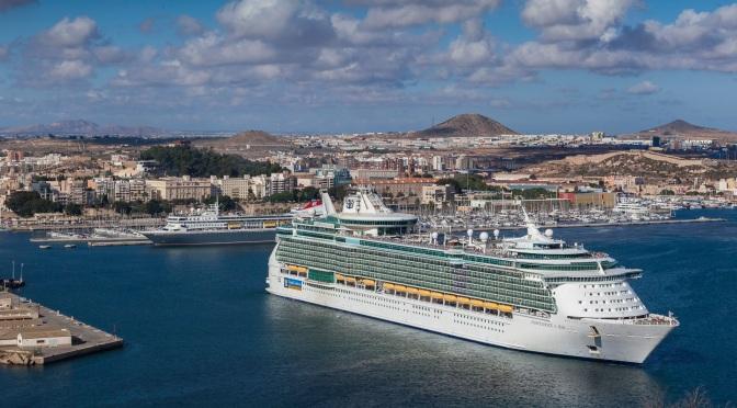 El puerto de Cartagena traza un plan para reactivar el turismo de cruceros