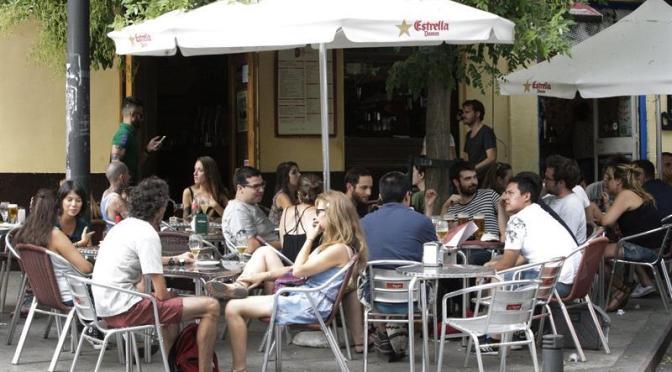 Los bares de la Región, en la cuerda floja por la incidencia covid