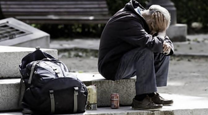 Más de 400.000 pobres en Murcia mientras gobierno regional favorece a los ricos