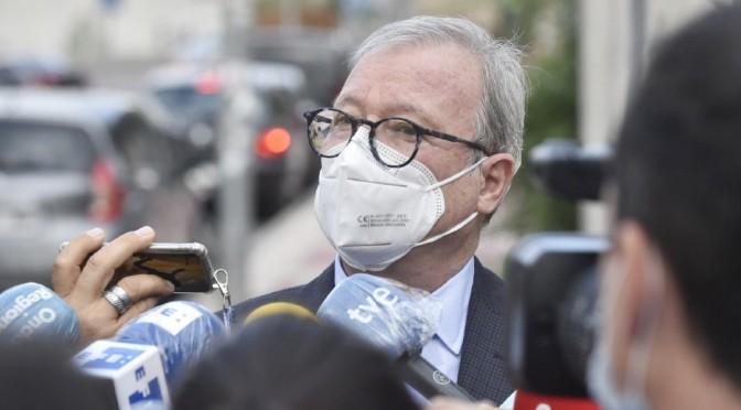 La Fiscalía pide que Valcárcel siga imputado en 'el caso Desaladora'