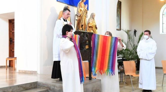 LA HOMOSEXUALIDAD DIVIDE A LA IGLESIA ALEMANA
