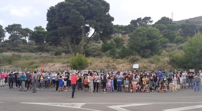 Protesta vecinal en la Concepción para salvar la pinada de Cuatro Picos