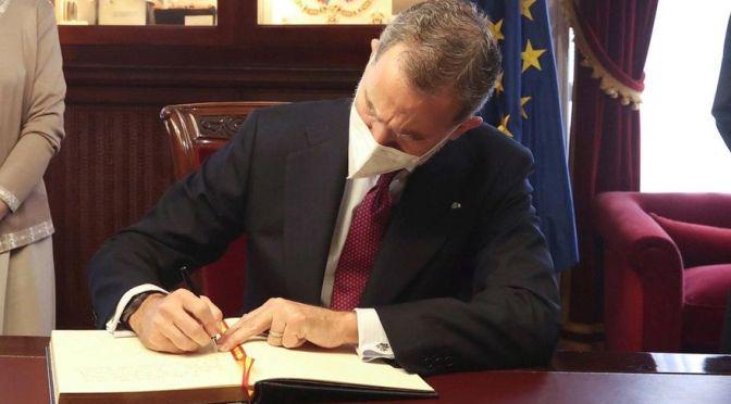 El Rey no se puede negar a firmar los indultos pero tampoco es responsable de su contenido