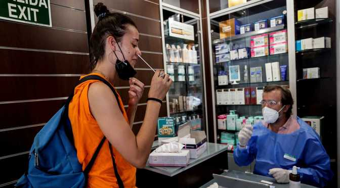 El Consejo de Ministros aprueba la venta en farmacias de test COVID sin receta médica