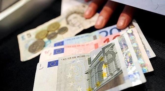 La nueva comisión bancaria: Cobrar por retirar dinero en ventanilla